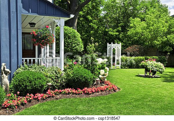 devant, maison, yard - csp1318547