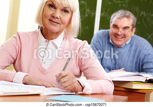 diákok, elfoglalt - csp15670071