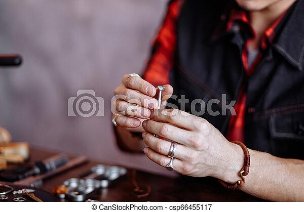 diamant, jeune, tenue, homme - csp66455117
