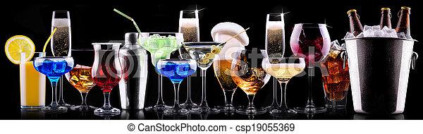 different alcohol drinks set - csp19055369