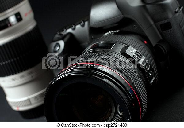 digital SLR camera - csp2721480
