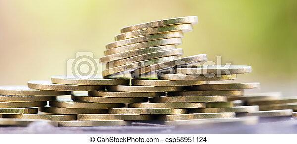 Pancarta de inversión de dinero - csp58951124