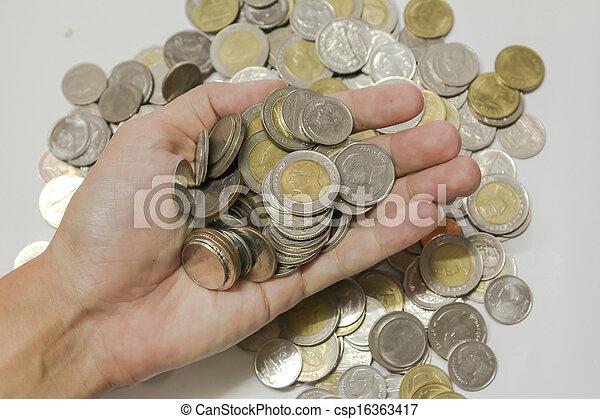 Ahorrando dinero creciendo futuro - csp16363417