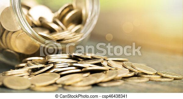 Ahorra dinero - csp46438341