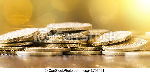 Ahorra dinero - csp48706481