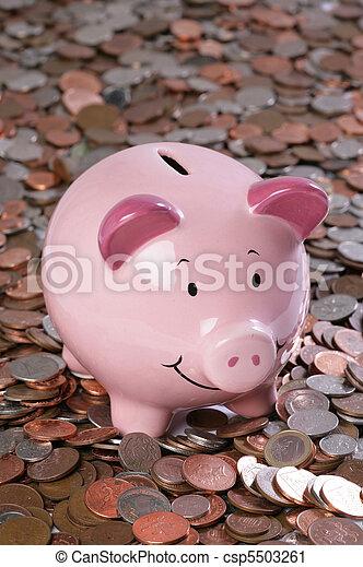 Un banco con dinero - csp5503261