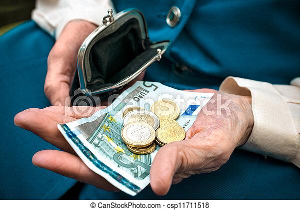 dinheiro, mulher sênior, contagem - csp11711518