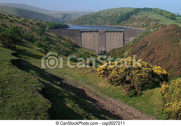 Meldon dam cerca de Okehampton devon - csp3027211