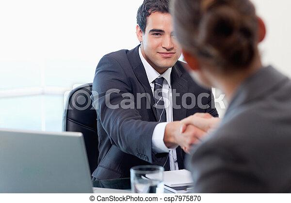 directeur, aanvrager, het interviewen, vrouwlijk - csp7975870