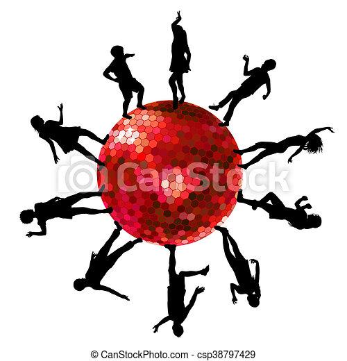 Siluetas de gente bailando en una bola de discoteca - csp38797429