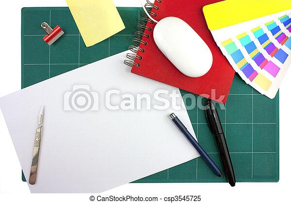 Diseñadores gráficos escritorio - csp3545725