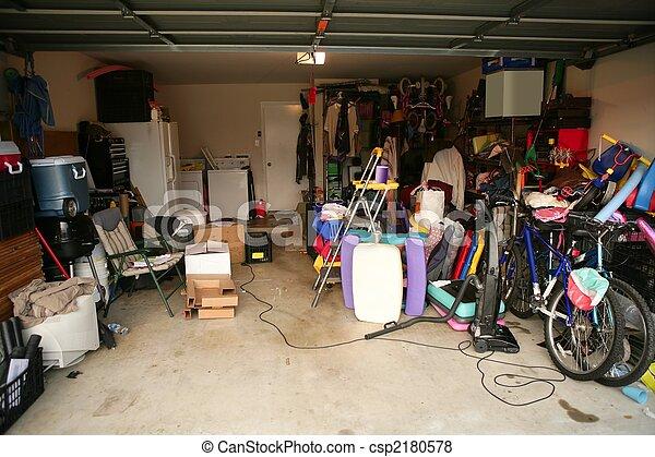 disordinato, garage, pieno, abbandonato, roba - csp2180578