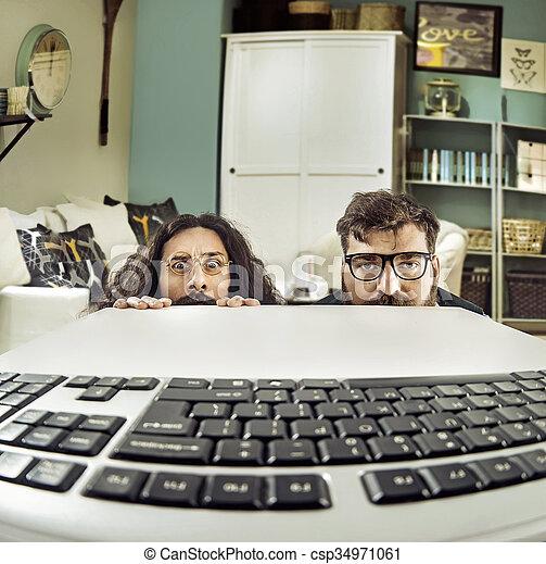 divertido, keybord, dos, computadora, scientits, mirar fijamente - csp34971061