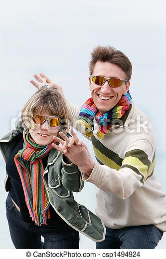 divertimento, par, jovem, tendo - csp1494924