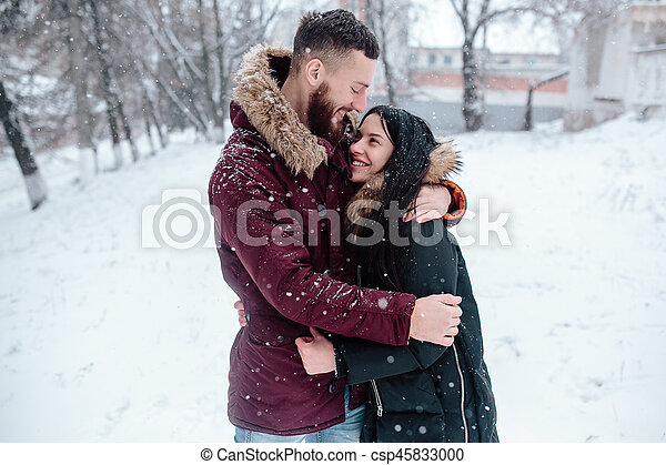 divertimento, par, tendo, jovem, neve - csp45833000