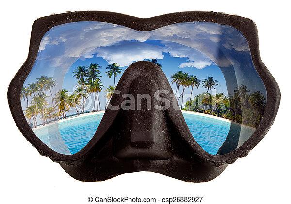 El paisaje tropical se refleja en gafas de máscaras para un buceo (diving) - csp26882927
