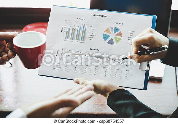 do góry., handlowy, concept., dochód, graphs., wykresy, analiza, strategia, analizując, drużyna, zamknięcie - csp68754557