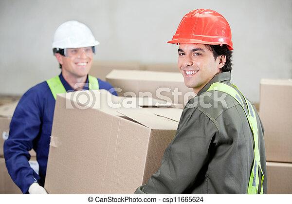 doboz, raktárépület, kartonpapír, munkafelügyelők, emelés - csp11665624