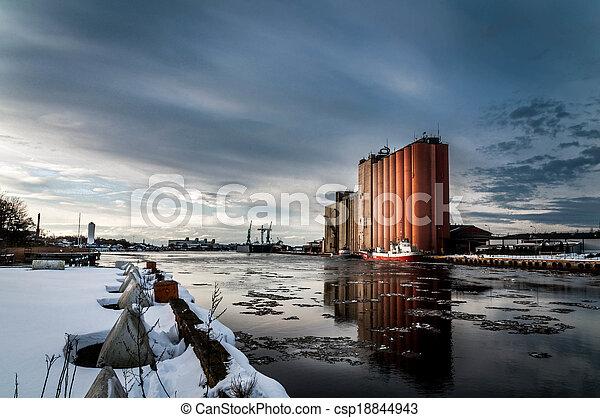 Dock - csp18844943