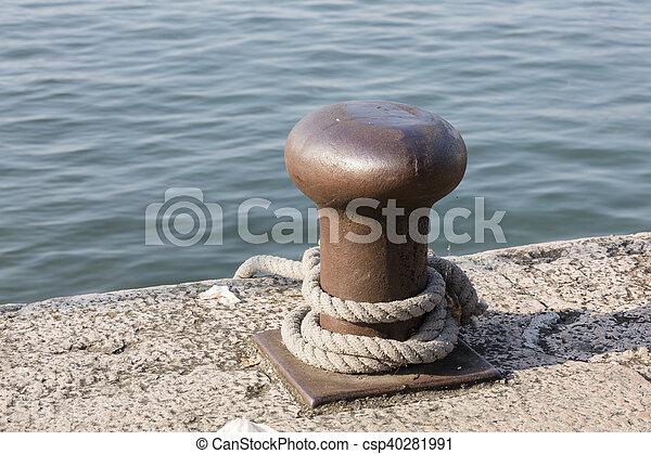 docking on lake - csp40281991