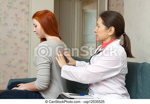 docteur, derrière, adolescent, toucher - csp12535525