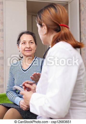 docteur, plaindre, femme, mûrir - csp12683651