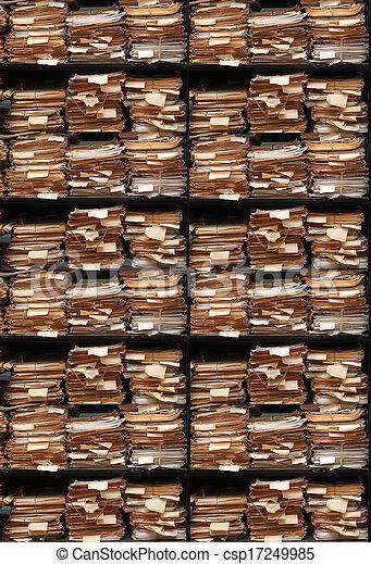Documentos de papel archivados - csp17249985