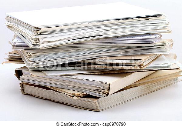 Un montón de documentos - csp0970790