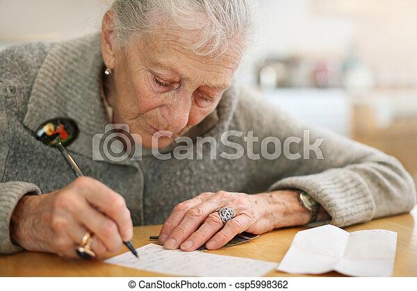 dof., raso, retrato, sênior, close-up, senhora, writing. - csp5998362