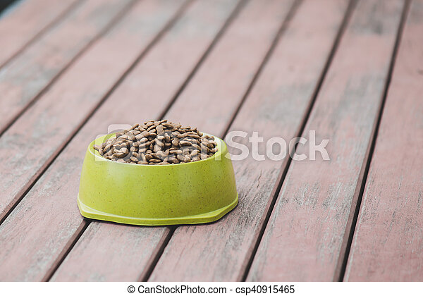 Dog food in a bowl - csp40915465