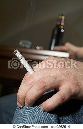 dohányzó, szenvedély, alkohol - csp9262914