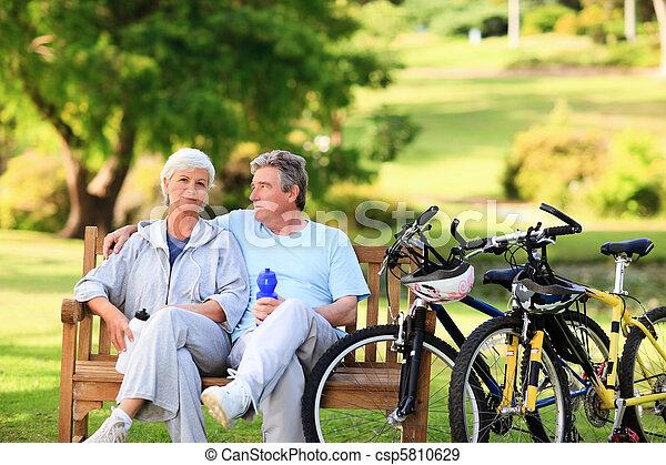 dojrzały, ich, para, rowery - csp5810629