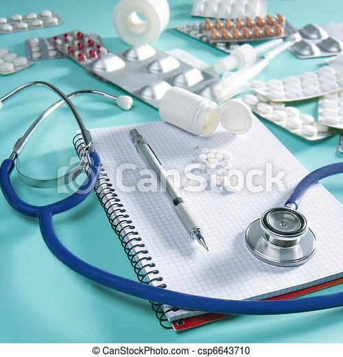 doktor, spiral notesbog, stetoskop, arbejdspladsen, skrivebord - csp6643710