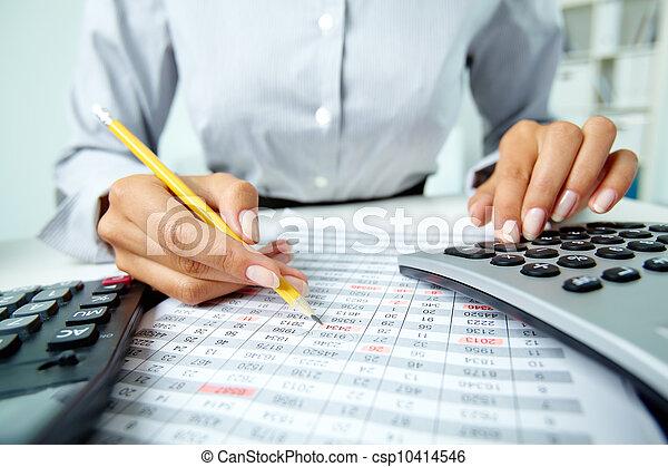 dokumenty, pracujący - csp10414546