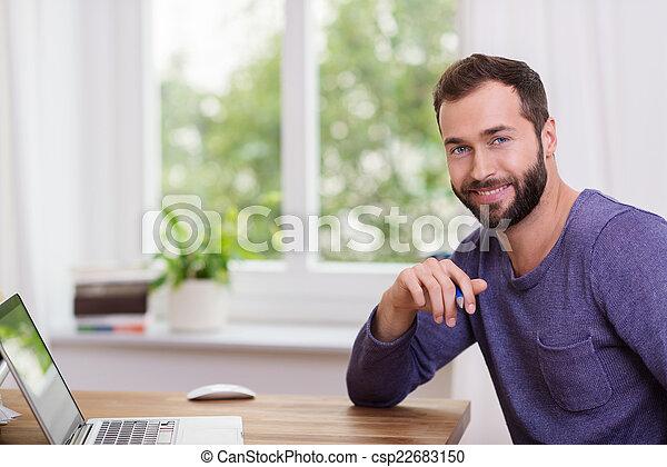 dom, brodaty, przystojny, biuro, człowiek - csp22683150