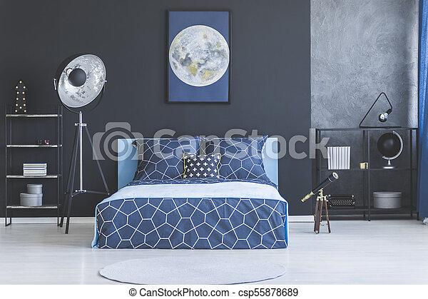 Blauwe Slaapkamer Lamp : Donker blauw interieur slaapkamer blauwe telescoop muur