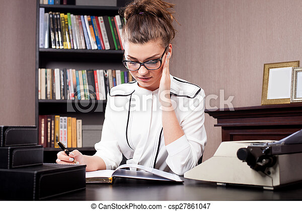 donna d'affari, lei, ufficio. - csp27861047