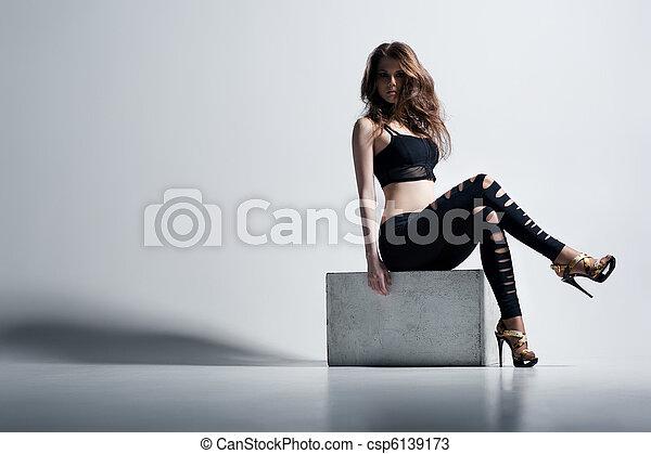 donna, moda, giovane - csp6139173
