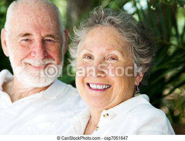 donna senior, marito, felice - csp7051647
