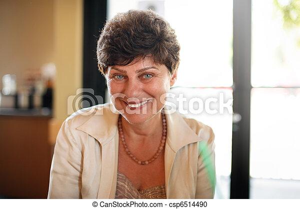 donna sorridente, maturo, felice - csp6514490