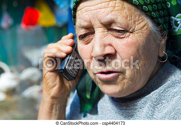 donna, telefono mobile, anziano, est, europeo - csp4404173