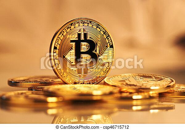 doré, monnaie, bitcoin - csp46715712