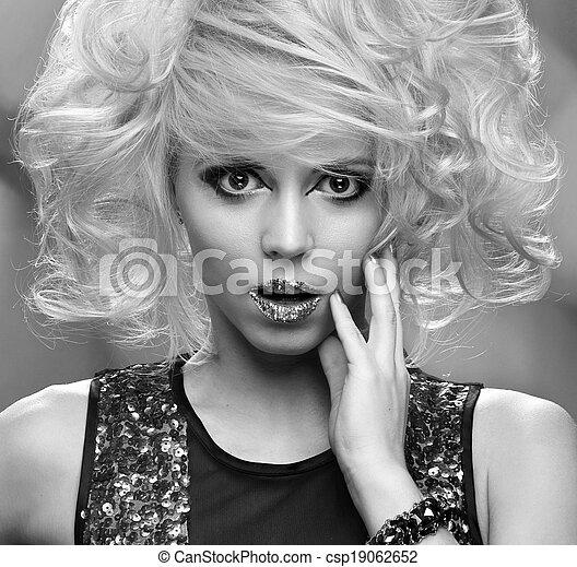dorado, magia, maquillaje, gold., retrato, niña - csp19062652