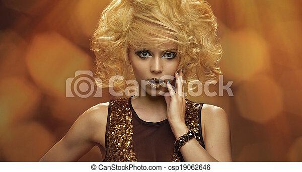 dorado, magia, maquillaje, gold., retrato, niña - csp19062646