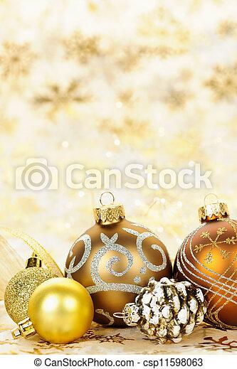 Los adornos de Navidad de oro - csp11598063