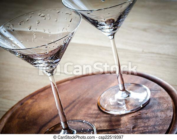 Dos copas de cóctel - csp22519397