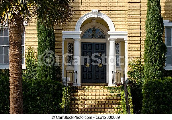 double entr e escalier portes maison images rechercher photographies et clipart csp12800089. Black Bedroom Furniture Sets. Home Design Ideas