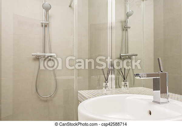 Douche, glas, badkamer, beige. Badkamer, tegels, douche, glas, beige ...
