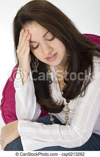douleur mal tête, triste - csp0213262