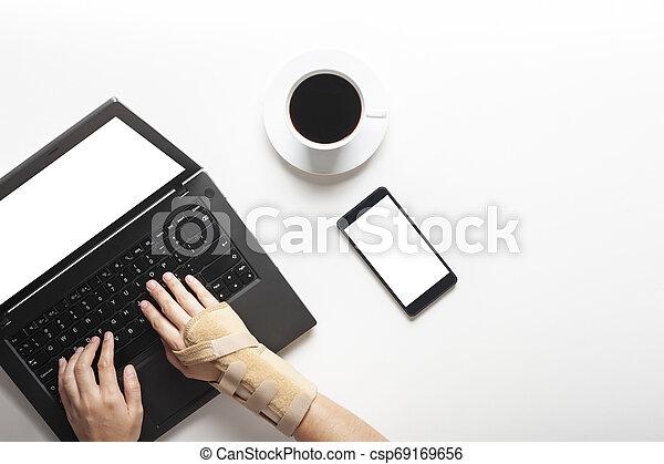 douleur, syndrome, bureau, sommet, poignet, main, informatique, mains, utilisation, vue - csp69169656